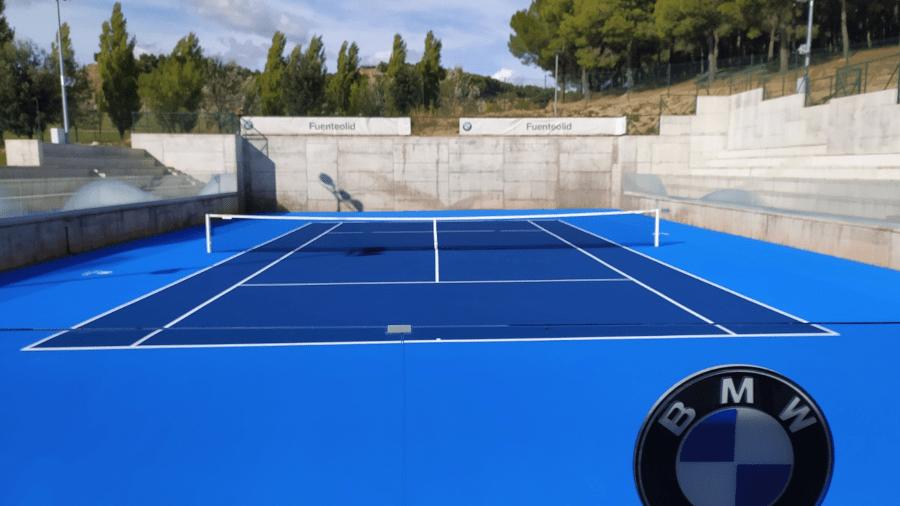 Pista de tenis en Club de La Raqueta