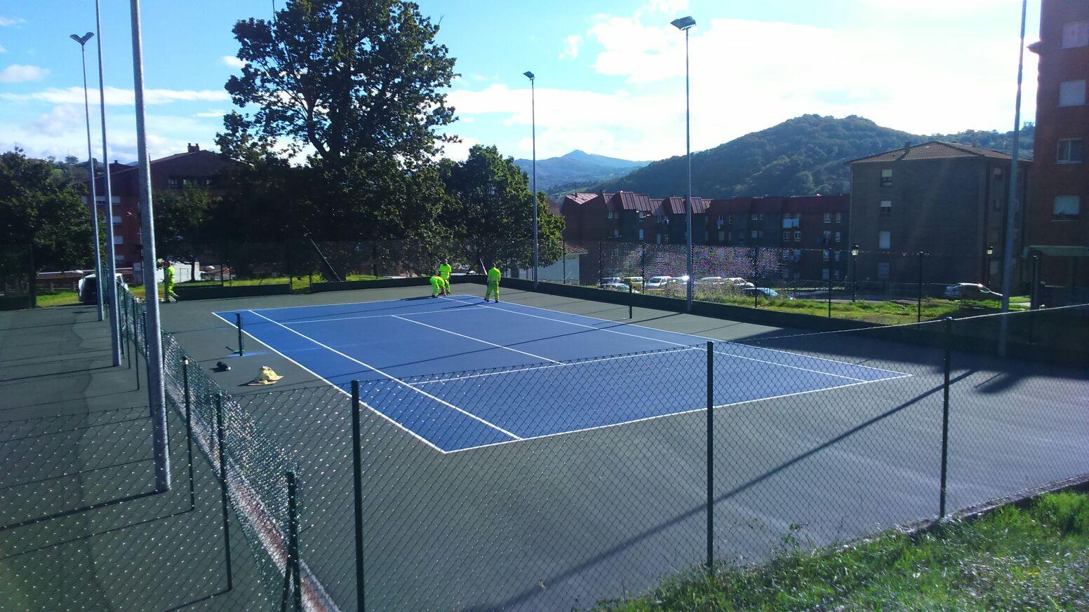 Pistas de tenis en Riaño